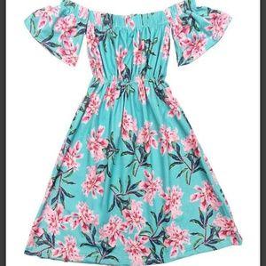 Other - Cold shoulder maxi dress